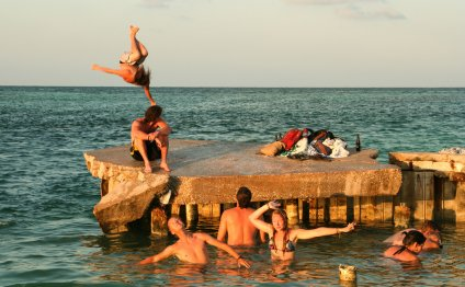 Living in Belize: Pros and