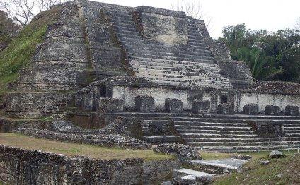 Exploring the Altun Ha Ruins