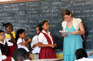 belizean-students-in-classroom